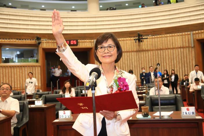 曾麗燕議長強調將盡議會監督最大力量