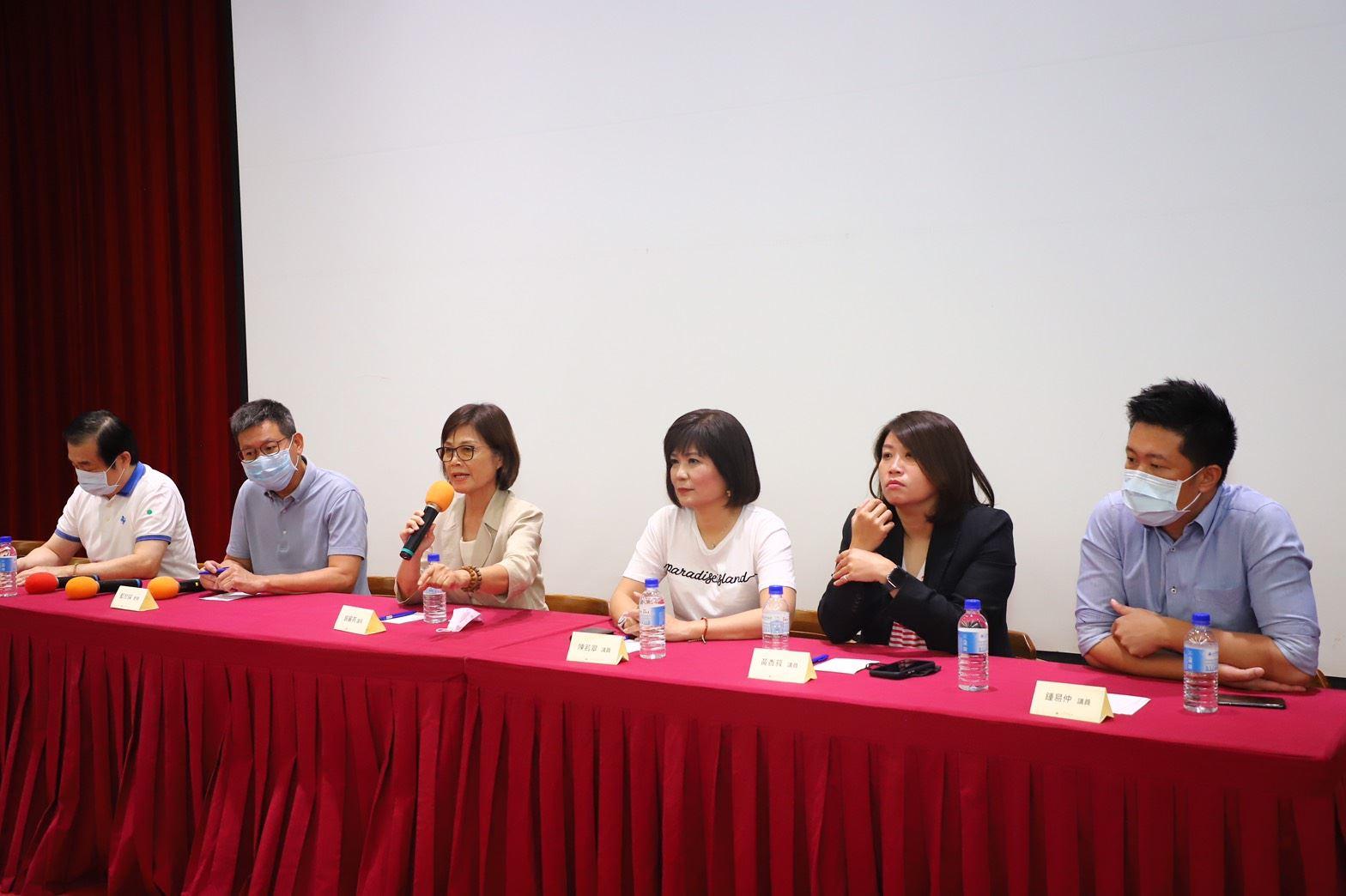 曾議長率議員與義大師生座談,鼓勵年輕學生關心公共事務