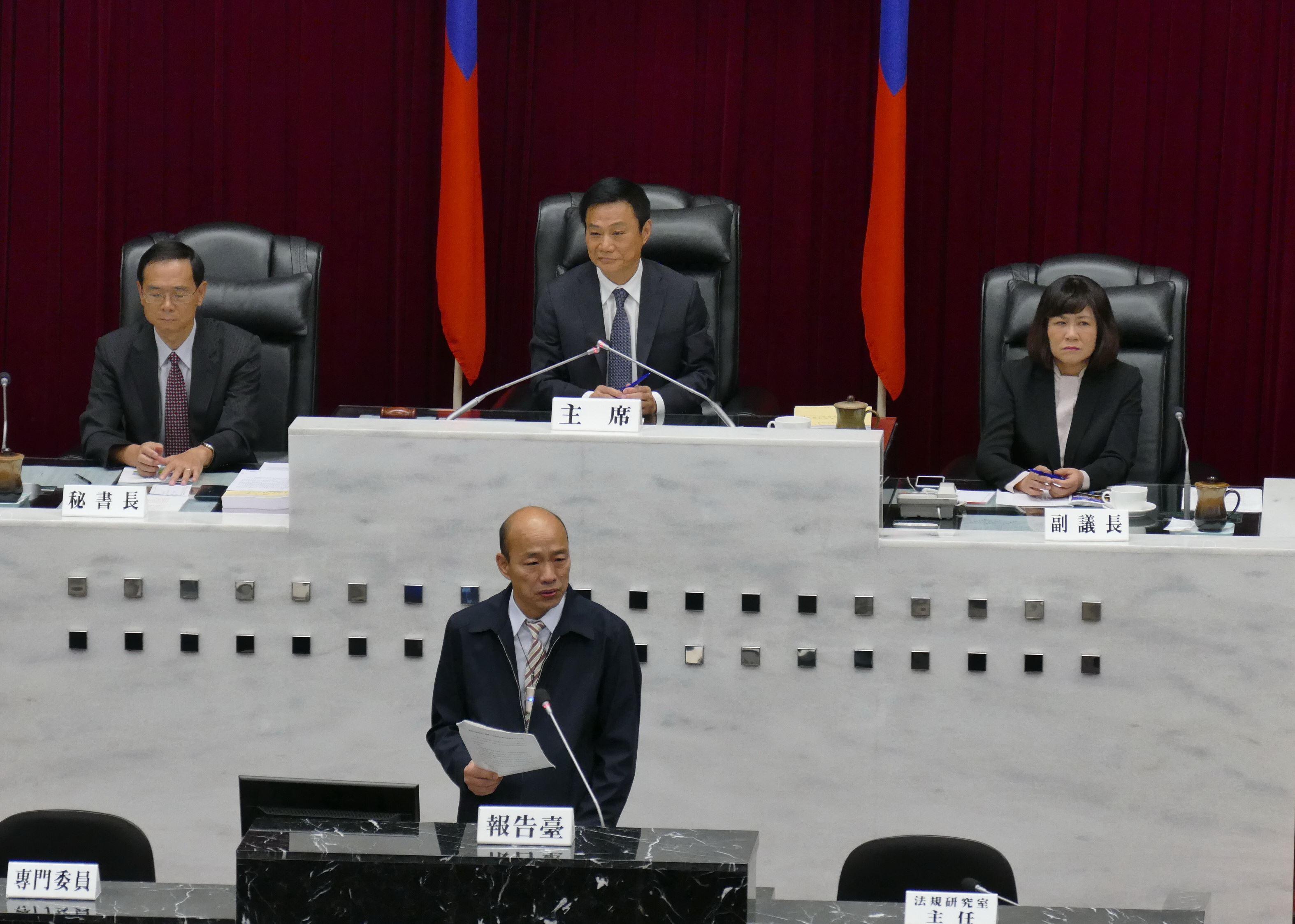 市長施政報告與質詢,各黨團聯合質詢各有主張