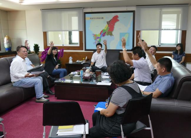 依議程準時開會,提升議事效率,建立完善問政制度