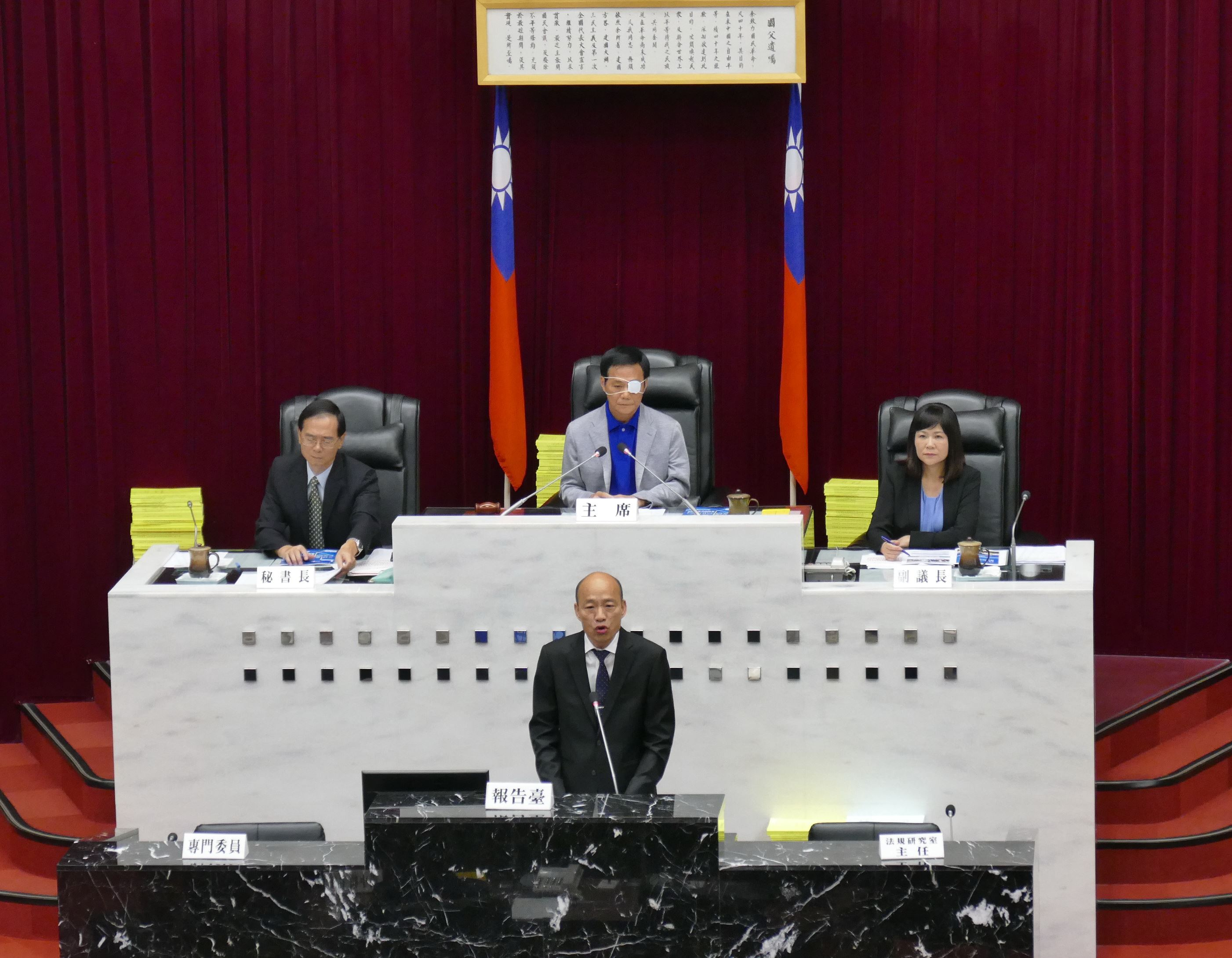 市長施政報告與質詢,三黨團依序進行質詢